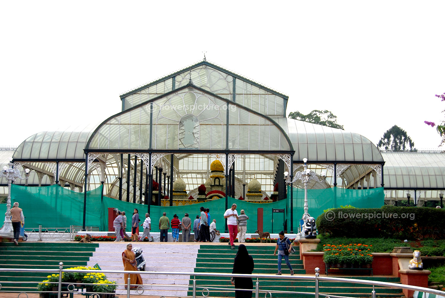 Lalbagh flower show august 2014 photos independence day bangalore mysore palace - Glass house show ...