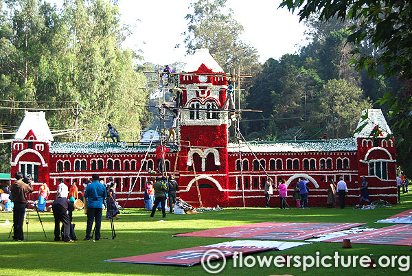 Ooty botanical garden getting ready for 120 th flower show